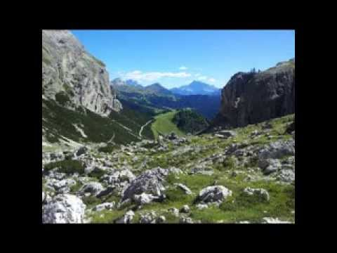 South Tyrol - One of the Most Beautiful Places in the World (Diaporamic App)