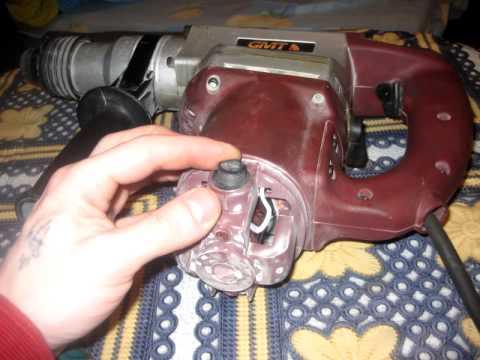 Щетки медно-графитовые эксплуатируются в электродвигателях и прочих электроустановках, где выполняют функций токопроводящего проводника, между подвижной и неподвижной частью двигателя. Монтируются щетки мг при непосредственном соприкосновении с контактными кольцами или.