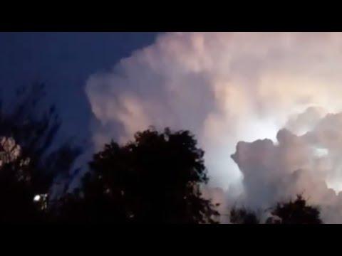 Blinking UFO Heading Towards Huge Thunderstorm Cloud over Villa Giardino (Argentina) - FindingUFO