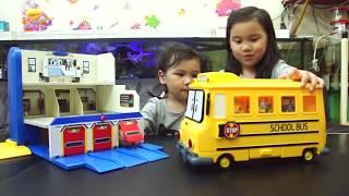 「波力發射救援中心玩具 開箱救援小隊羅伊安寶玩具出動 多美小汽車tomica美樂蒂跟kitty 動力沙玩玩具就在Sunny Yummy Kids TOYs 波力發射救援中心玩具 ROBOCAR」的複本 thumbnail