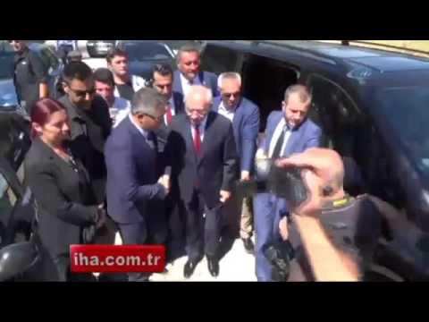 Kılıçdaroğlu, Ömer Halisdemir'in baba evini ziyaret etti