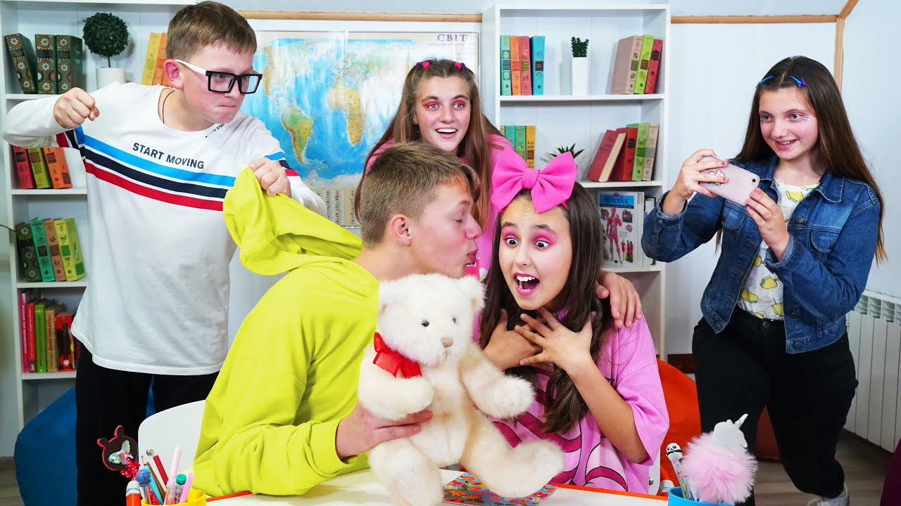 Download ¡Max se enamoró en secreto de Eve! ¡Momentos divertidos para adolescentes de la escuela secundaria!
