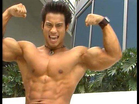 Summer Muscle: Bodybuilder Tuan Tran