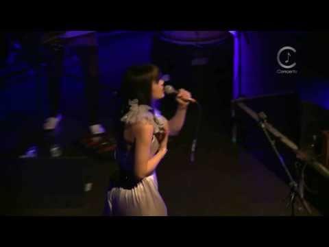 [HD] Bat For Lashes - Sleep Alone (Live Shepherds Bush Empire 2009)