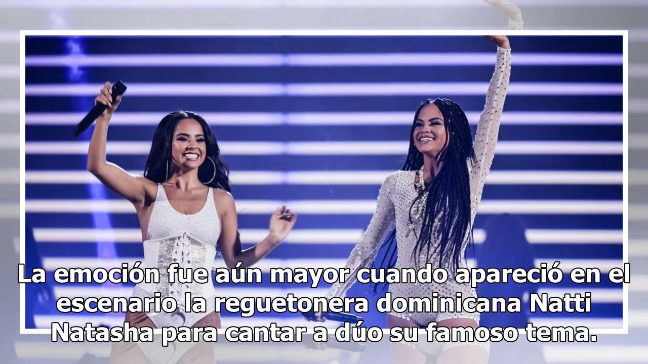 Becky G da una sorpresiva nalgada a Natti Natasha en los Premios Juventud
