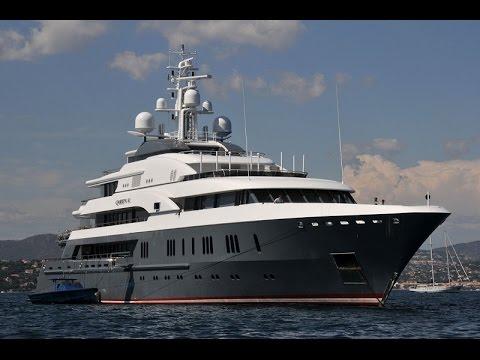 Mega Yacht - Queen K - Dry Dock