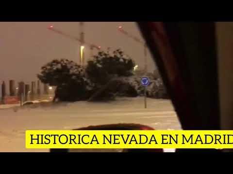 Download Nevadas históricas en el centro de España y vehículos atrapados en Madrid