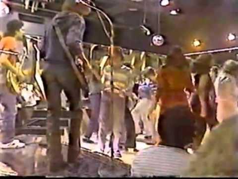 Enigma en el  de Richard Herd en VTV, 1983 Exagrupacion donde colaboró Nicolás Maduro