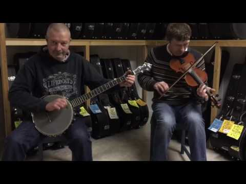 Banjo Works Presents: 'Oh Susanna' featuring a Rover RB110 open-back 5-string banjo