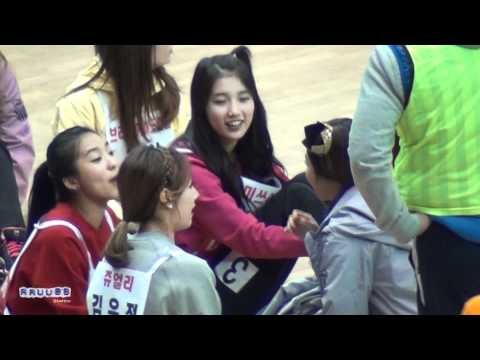 120108-miss-a-suzy-interactions-with-idols-@-idol-sport-championship