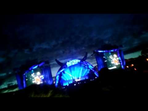 AC/DC and Axl Rose best start concert in Lisbon