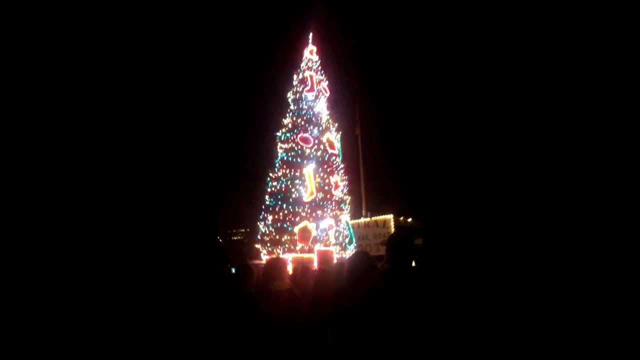 Old Sacramento Christmas tree lighting 2013 - YouTube