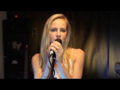17 y.o. Sydney Silver sings Girl Crush by Little Big Town!