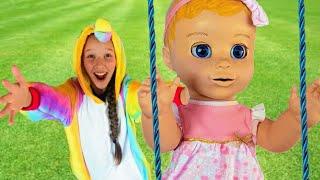 Canción del Patio de Juegos - canción infantil con Emi y Niki