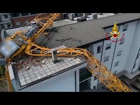 شاهد | انهيار رافعة على مبنى بميلانو بسبب عاصفة برَد قوية…  - نشر قبل 49 دقيقة