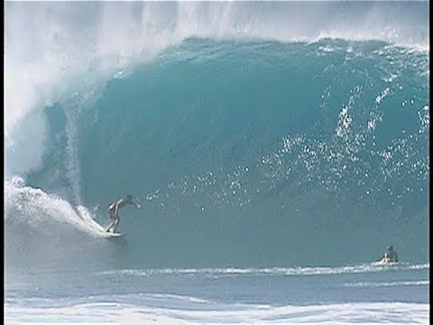 e18a66807e GIANT SET at PIPELINE. Surfing   Bodyboarding Huge Waves. - YouTube