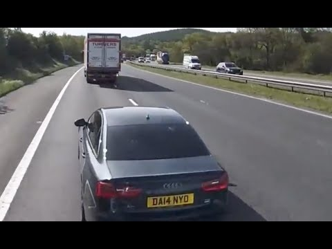 Road Rage Audi Slams On Brakes In Front Of Fully Loaded HGV