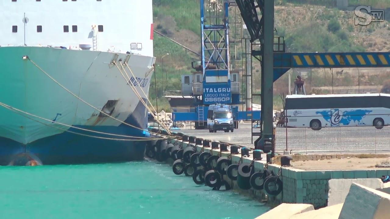 Porto Empedocle, 169 migranti sbarcano da Moby Zazà: quarantena finita per loro