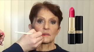 Maquiagem Simples usando batom Revlon