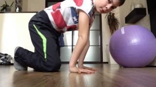 Видеоурок(как правильно делать стойку на руках)