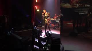 Jennifer Hudson SInging I Am Telling Your at Mayne Stage Chicago