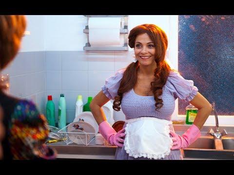 Georgina Verbaan In Pink Rubber Gloves In T Spaanse
