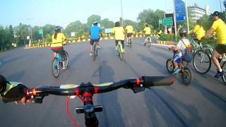 Challenging Delhi Police for Cycle Race ?