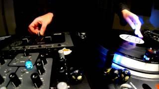 "Dj Fegan - Freestyle Scratch Over ""Dzihan & kamien - Stiff Jazz"" (thanks Miura) - 09/12/2013"