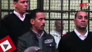 صلاح هلال بالبدلة البيضاء داخل قفص الاتهام في محاكمة «رشوة وزارة الزراعة» (اتفرج)