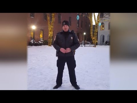 Cop on Foot Patrol Belts Out Moving Version of 'O Holy Night'