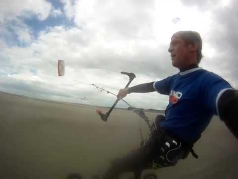 STarnier 00226 Kite Brighton tests Flysurfer