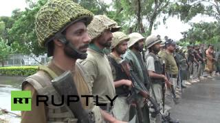 Pakistan: See protesters chase police out of government district