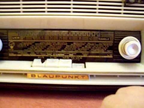Mi radio de válvulas marca BLAUPUNKT, modelo ROMA 20020, funcionando.