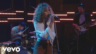 Izzy Bizu - Izzy Bizu performs 'Diamond' - BRITs 2016 Critics' Choice Sessions