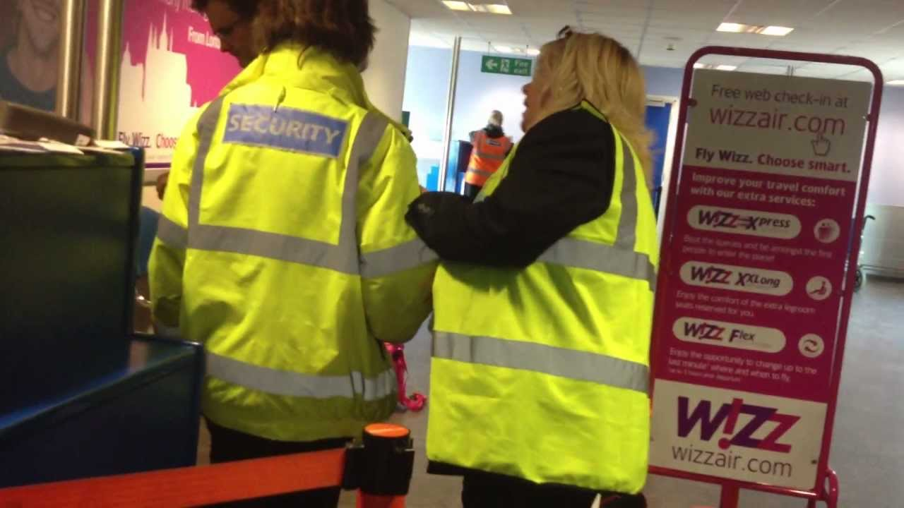 Wizz Air Disgusting Customer Service Baggage Charge