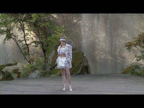 Chanel - Défilé Prêt-à-Porter Femme Printemps / Eté 2018 à Paris