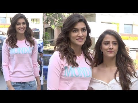 Kriti Sanon Spotted With Her Sister Nupur Sanon