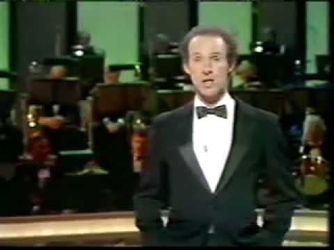 Amazing Juggler ! - Michael Davis on the Bob Monkhouse Show