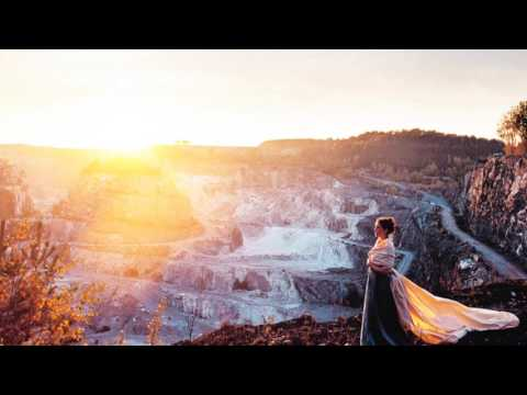 Maailman ihanin tyttö - Valokuva soi: Seinäkuosi