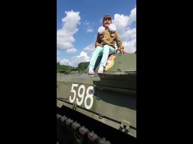 Изображение предпросмотра прочтения – ПолинаРябова читает произведение «Рассказ танкиста» А.Т.Твардовского