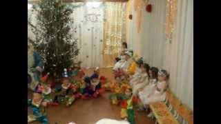 Танец Петрушек на утреннике в детском саду