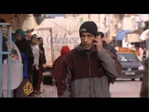 Young Tunisians still struggle with poor economy