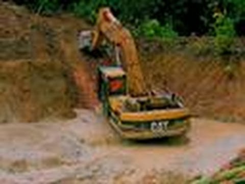 Drowning Excavator | Jungle Gold