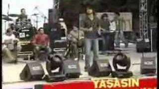 Çamur - Halim Öyle / Barışarock 2005 [www.Turkcerock.net]