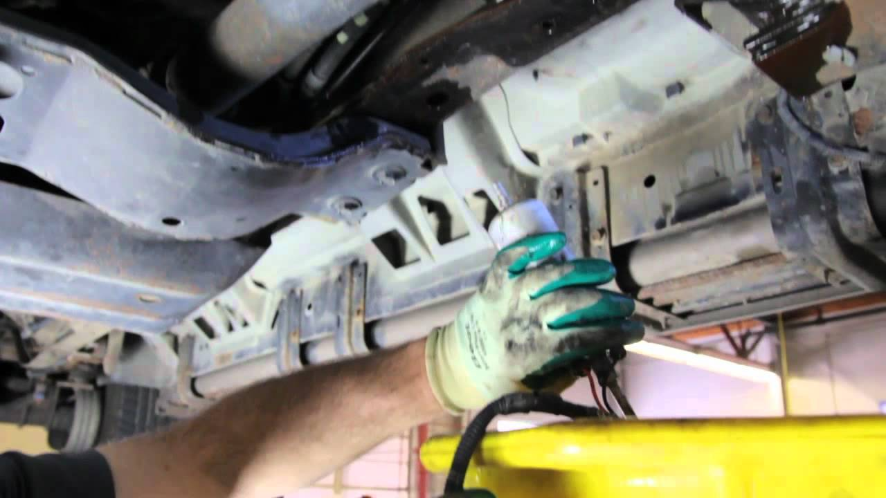how to replace a frame rail pump assembly e2236 on 2000 2003 ford excursion youtube [ 1280 x 720 Pixel ]