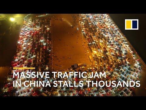 Massive traffic jam on China's Hainan island because of fog