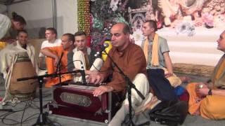 Садху Санга 2013 - ЕМ Адити Дукхаха прабху и ЕМ Кришна Лила прабху - вечерний киртан (24.09.2013)