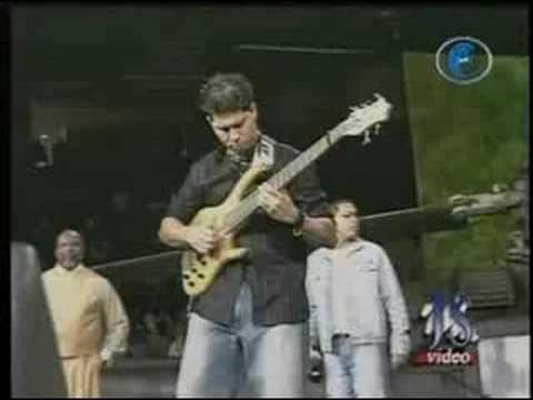 Alex Morán bass solo