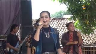 Gerimis Melanda Hati Voc. Rosanti ESA MUSIC Live Kalenpandan 2019.mp3