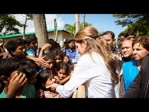 Queen Rania visits the Muslim Rohingya refugees in Bangladesh